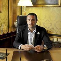 Bagnoli, De Magistris a Renzi:
