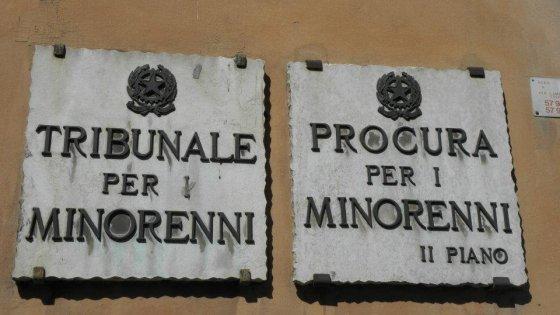 Ufficio Di Sorveglianza Di Napoli : Terra dei fuochi scarcerati i pellini il vescovo di donna «così
