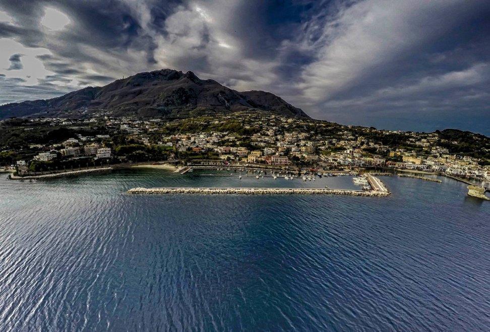 TripAdvisor, Capri e Ischia sono le isole più amate