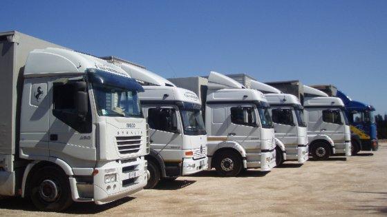 Finte ditte di trasporto facevano sparire merci tra napoli for Ditte di mobili