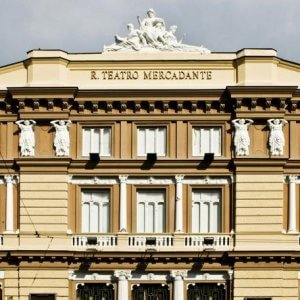 """Napoli,in agitazione i lavoratori del Mercadante: """"Precari in condizioni disperate"""""""