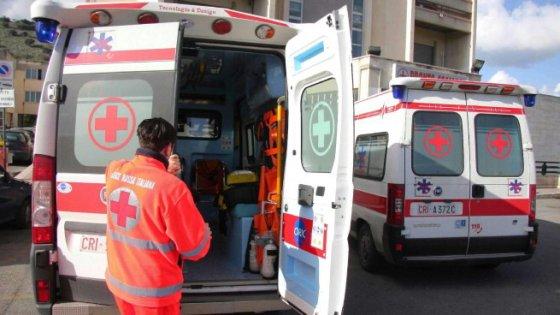 Napoli, esplosione in appartamento: un ferito grave