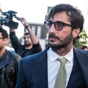 Fabrizio Corona fermato a Secondigliano dai carabinieri per un controllo