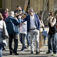 Staffisti, paga il Comune di Napoli ma fanno i volontari al comitato elettorale di de...