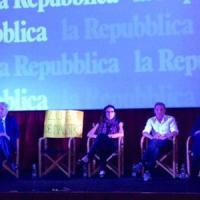 Comunali, confronto in diretta su Repubblica: de Magistris assente