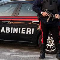 Omicidio in un bar a Calvizzano (Napoli), uomo colpito da un killer armato
