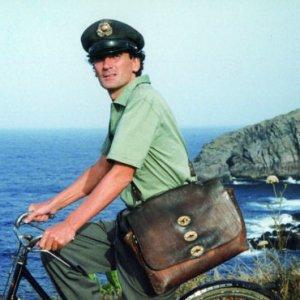 San Giorgio a Cremano, mostra per il 22esimo anniversario della morte di Massimo Troisi