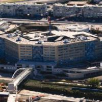 Degrado e rifiuti circondano l'Ospedale del Mare