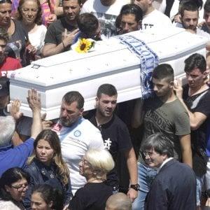 """Napoli, l'addio a Ciro ucciso per errore: """"Era il simbolo della speranza"""""""