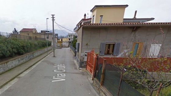 Uomo uccide la moglie a Palma Campania, poi si suicida