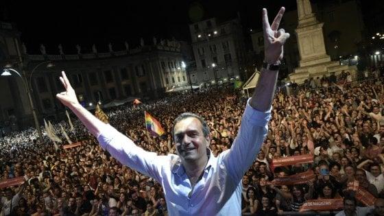 """De Magistris sogna con i Cinque stelle: """"Dopo le elezioni un movimento nazionale"""". Fico: """"Non mi interessa"""""""