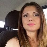 Carla Caiazzo, bruciata dall'ex: