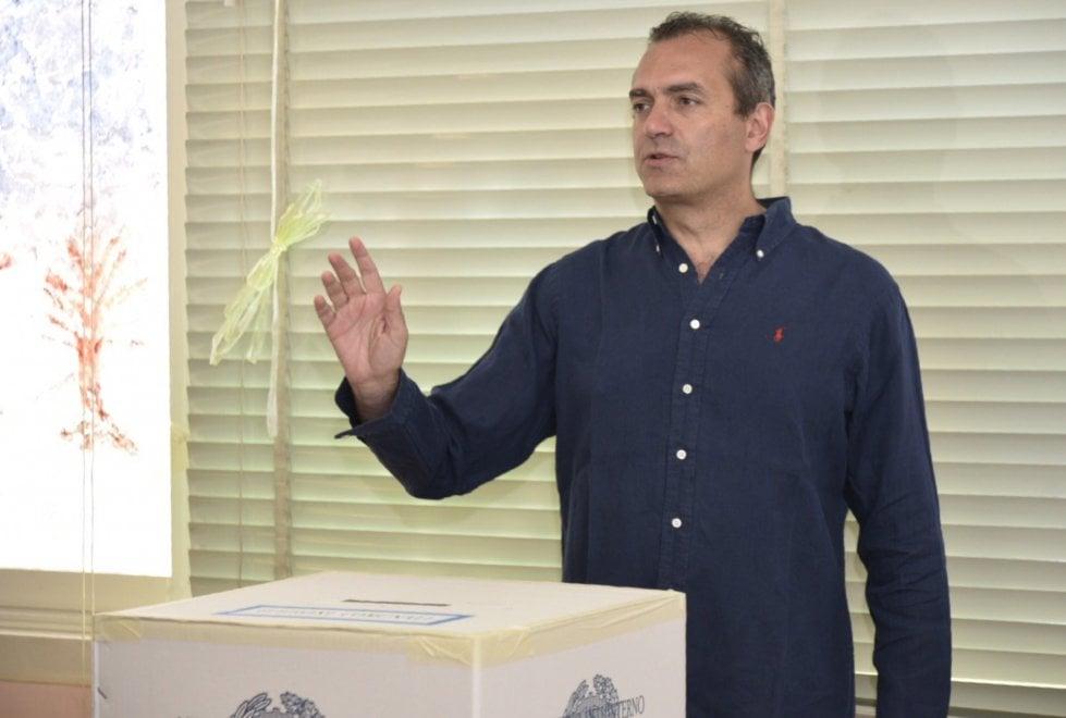 Ballottaggio, de Magistris e Lettieri al voto