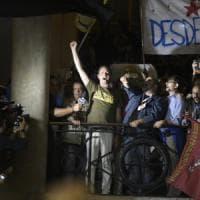 Napoli, de Magistris trionfa con il 66,8 per cento e viene incoronato