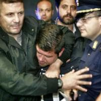 Poliziotto ferito a Fuorigrotta, 14 anni per l'estorsore con la pistola