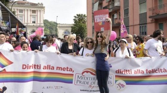 """Napoli, Arcigay: """"Trans aggredita a Fuorigrotta"""". Il terzo caso in poche settimane"""