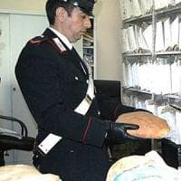 Napoli, il pane della camorra:  supermercati e negozi costretti a comprare