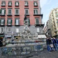 Turista greca rapinata e ferita a Napoli