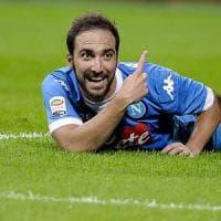 Il Napoli reagisce, assalto a Herrera per zittire Higuain