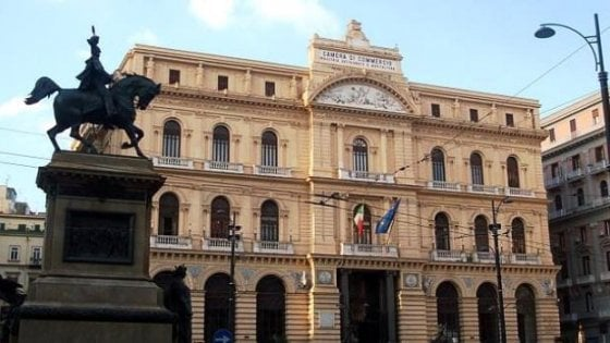 (VIDEO) Napoli. Fondi Camera di Commercio 'distratti', tre arresti