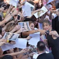 Jennifer Aniston stregata da Giffoni si commuove davanti ai 4250 giovani
