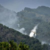 Vesuvio,  aperta un'indagine sugli incendi