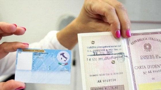 Nuove carte di identità elettroniche, Napoli è la prima in Italia
