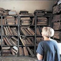 Chiude l'archivio storico del Comune di Napoli: l'edificio rischia di crollare