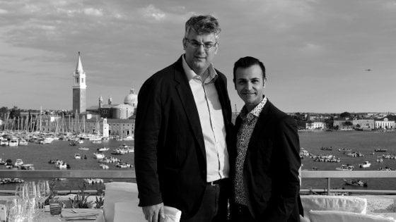 San Giorgio a Cremano, Zinno è il primo sindaco gay d'Italia a sposarsi. Celebra la Cirinnà