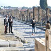 """Pompei, multe per 16 mila euro a guide abusive e commercianti """"petulanti"""""""