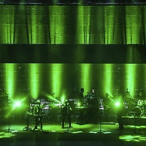 """Massive Attack all'Arena Flegrea: """"Ciao famiglia, bello essere di nuovo qui"""""""