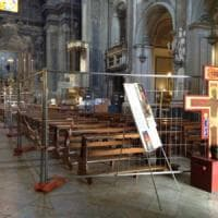 Transenne in chiesa: a Santa Brigida la navata è off limits