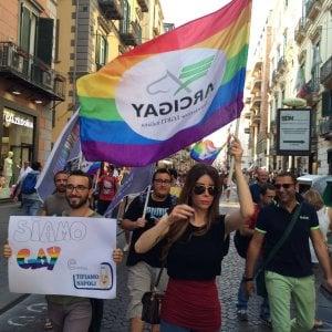Insulti omofobi a Higuain, scoppia un caso, ma poi è pace tra Arcigay e un commerciante di via Toledo