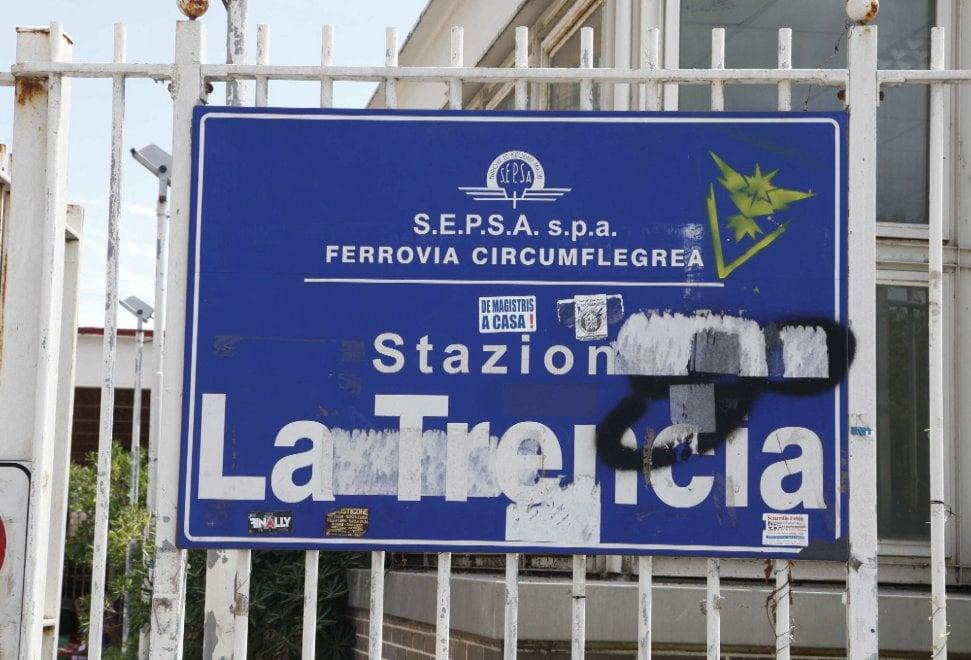 """Napoli, chiude per vandalismo la stazione della Circumflegrea """"La Trencia"""""""