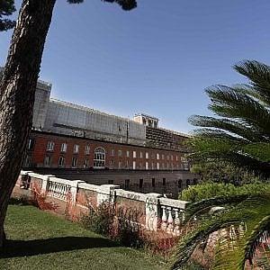 Rose, fontane e marmi: riecco i giardini pensili del Palazzo Reale di Napoli