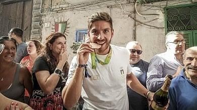 Quartieri spagnoli, Marco Di Costanzo  in trionfo dopo il bronzo di Rio   foto