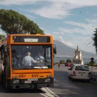 Napoli, un passeggero su due non paga il biglietto del bus.  E l'Anm torna a vendere i...