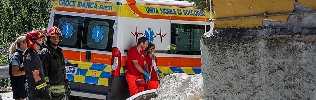 Terremoto, dalla Campania pronti a organizzare un campo per 500 persone    video       La catena di solidarietà, da Sorrento a Napoli