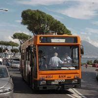 Seicento volantini sugli autobus  per fermare i borseggiatori