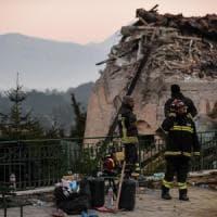 Terremoto, il Comune di Napoli si costituisce parte civile contro lo sciacallo arrestato...