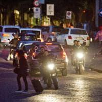Conflitto a fuoco tra la polizia e una banda di centauri in centro a Napoli