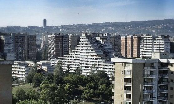 Napoli, diciotto milioni di euro per abbattere tre Vele di Scampia
