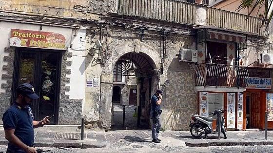 Napoli, spari in pieno giorno. Un ferito al Rione Sanità