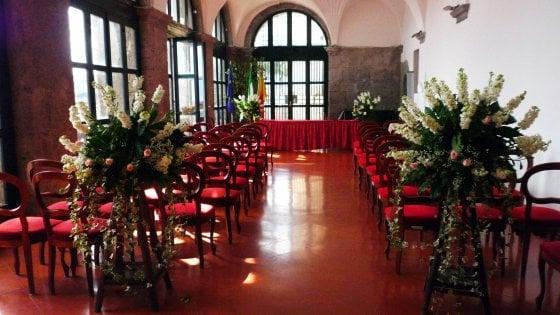 Napoli, Unioni civili: ecco come prenotare la sala del Maschio Angioino