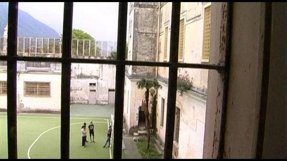 I clan guidano la rivolta nel carcere minorile di Airola nel Beneventano: due agenti feriti e danni per 30 mila euro