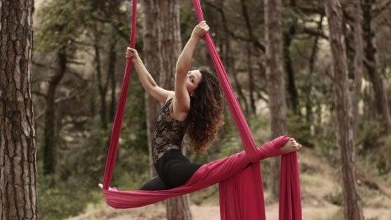Gigliola, la donna che vola tra gli alberi