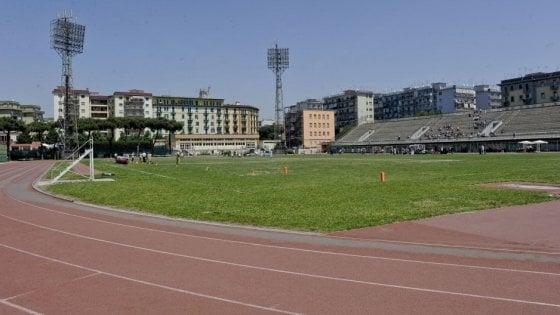 Riapre lo stadio Collana, ma è ancora scontro