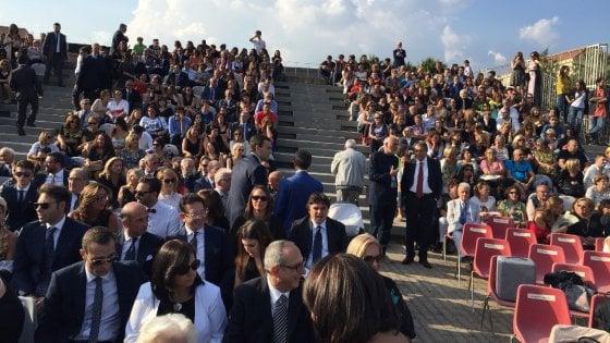 """San Giorgio a Cremano: riso, fiori e """"Over the Rainbow"""" per l'unione tra Giorgio Zinno e il suo compagno"""