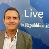 De Magistris live per Repubblica risponde ai cittadini dal furto a San Gennaro
