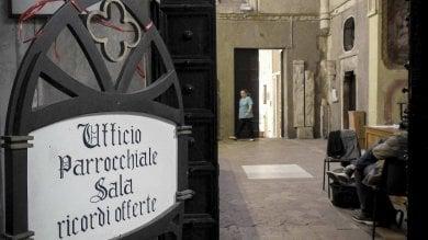 """Il raid sacrilego nel Duomo di Napoli caccia ai 4 banditi il """"rammarico"""" di Sepe"""
